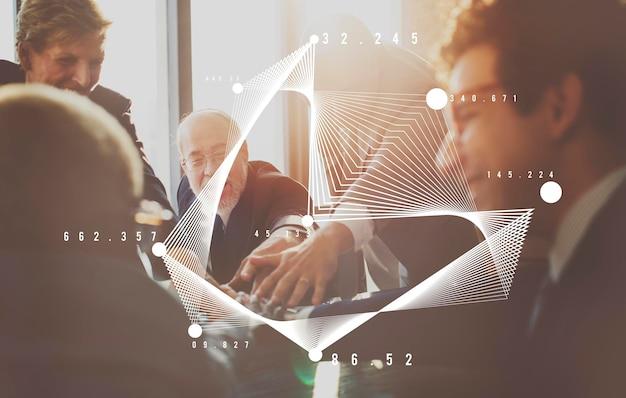Conceito de análise de planejamento de discussão de pessoas de negócios