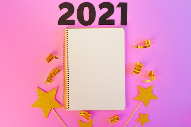 Conceito de ano novo 2021 em gradiente