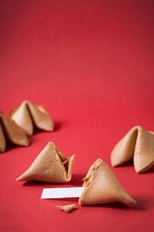 Conceito de ano novo chinês com biscoitos da sorte