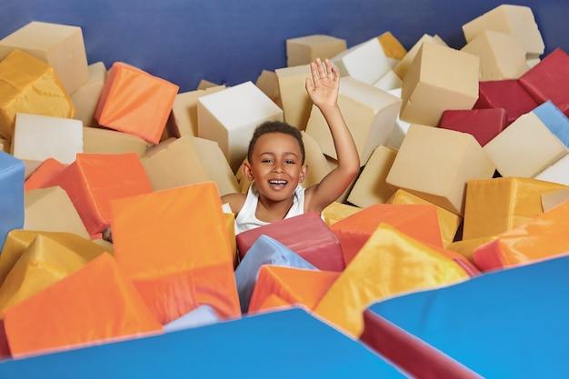 Conceito de atividade, alegria, diversão, felicidade e recreação.