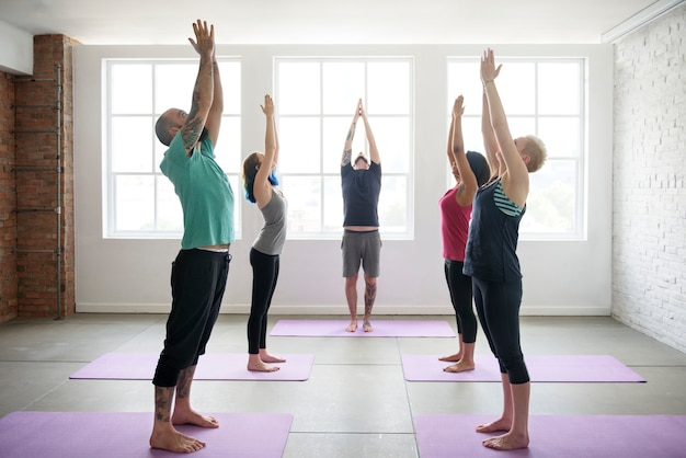 Conceito de aula de exercício de prática de ioga