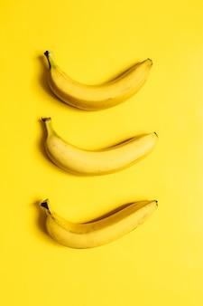 Conceito de banana colorida
