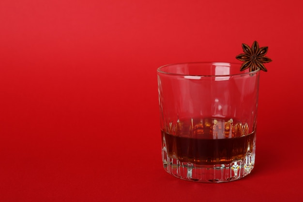 Conceito de bebidas alcoólicas fortes com conhaque