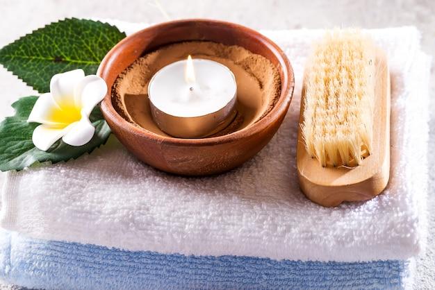 Conceito de beleza e spa com spa em pedra rústica