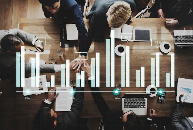 Conceito de brainstorming de reunião de trabalho de equipe de negócios