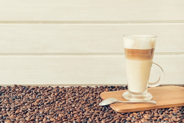 Conceito de café com latte macchiato