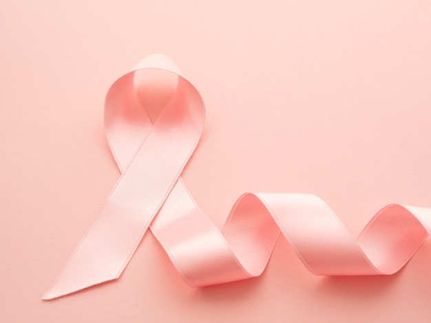 Conceito de câncer de fita rosa vista superior