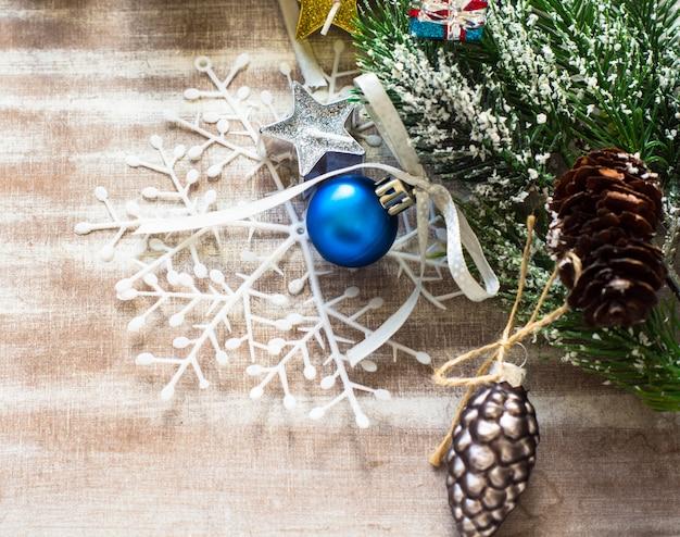 Conceito de cartão de natal com decoração de férias
