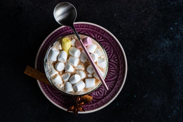 Conceito de cartão de natal com marshmallow