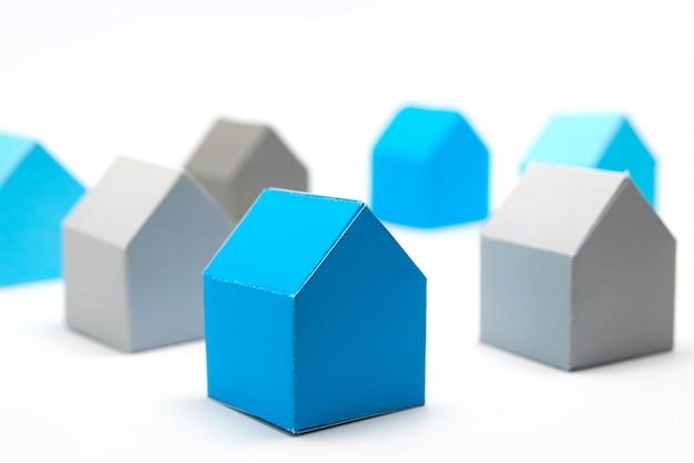 Conceito de casas, procurando a casa ideal