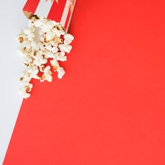 Conceito de cinema com fundo de pipoca
