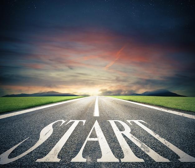 Conceito de começar direto para os negócios como uma estrada