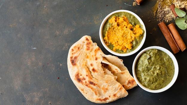 Conceito de comida indiana com espaço de cópia