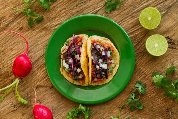 Conceito de comida mexicana plana leigos