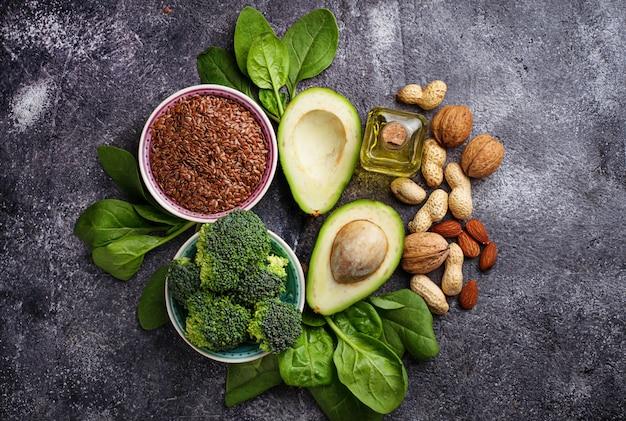 Conceito de comida saudável. fontes de gordura veganas