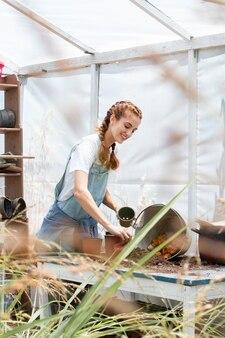 Conceito de compostagem de natureza morta Foto gratuita