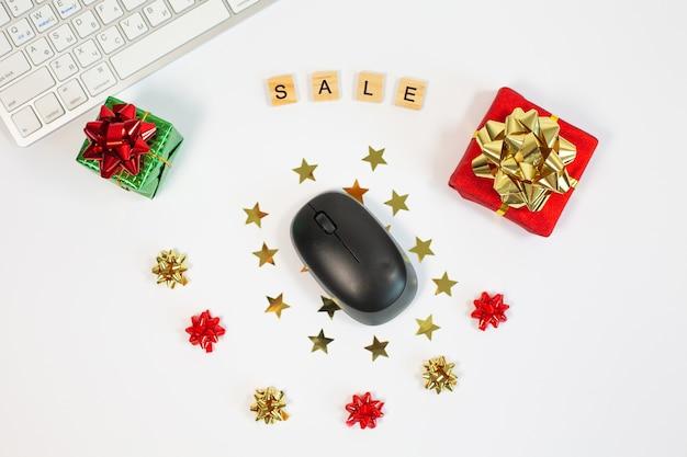 Conceito de compras online com teclado e mouse
