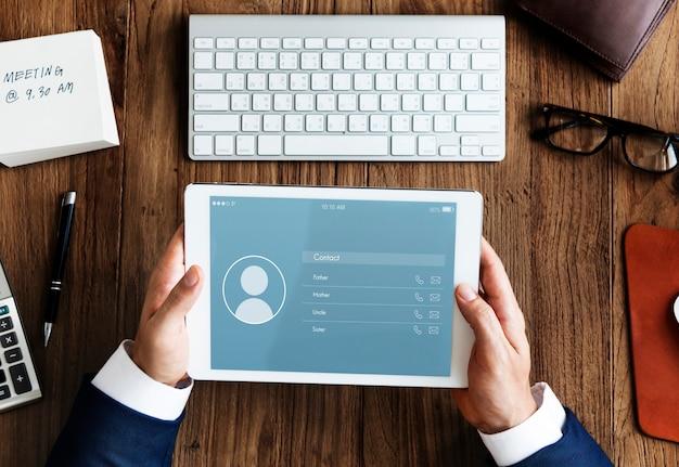 Conceito de conexão de comunicação de contato de aplicativo