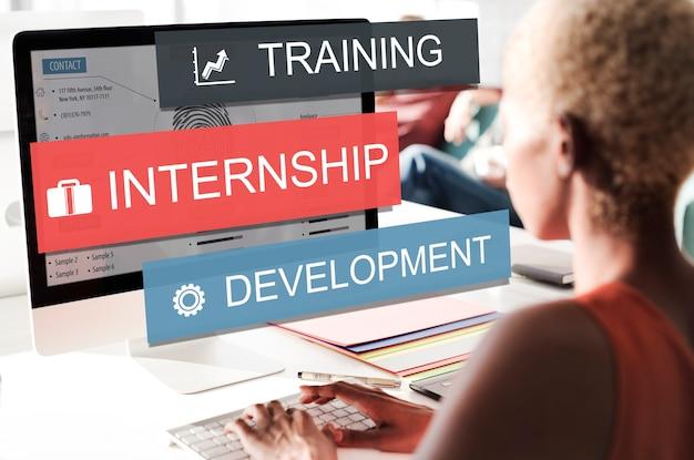 Conceito de conhecimento empresarial de desenvolvimento de treinamento de estágio
