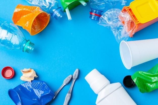 Conceito de conservação ambiental - lixo preparado para reciclagem