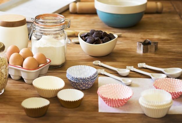Conceito de cozimento caseiro da preparação da sala da cozinha