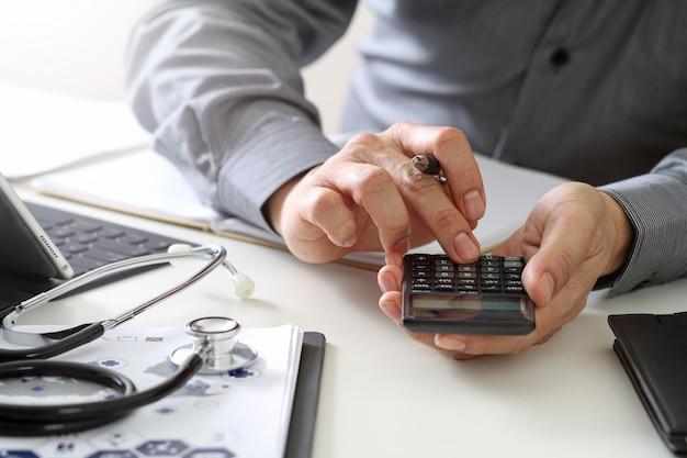 Conceito de custos e taxas de saúde