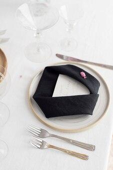 Conceito de decoração de casamento com guardanapos de linho, imagem de foco seletivo