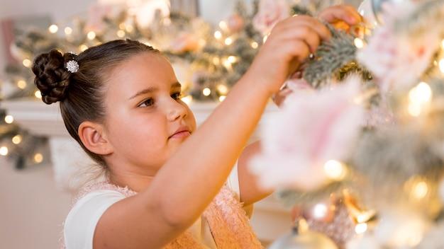 Conceito de decoração linda árvore de natal