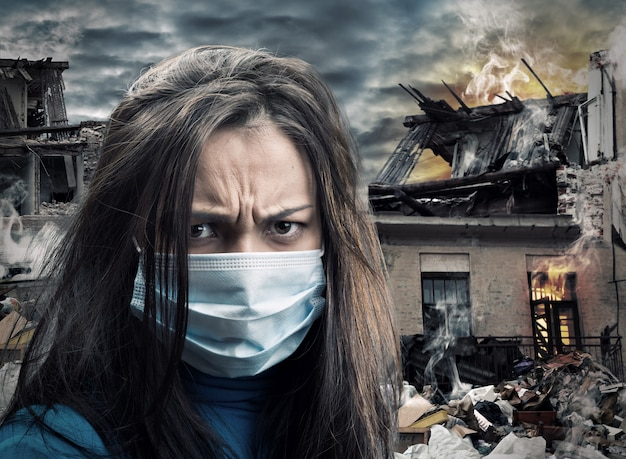 Conceito de desastre. mulheres com máscara de gaze