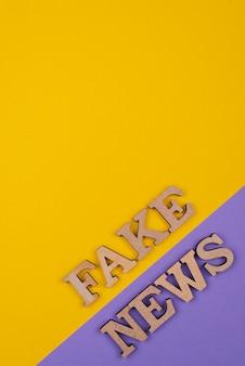 Conceito de desinformação da mídia com cópia-espaço