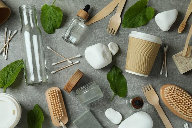 Conceito de desperdício zero ecológico em superfície texturizada cinza