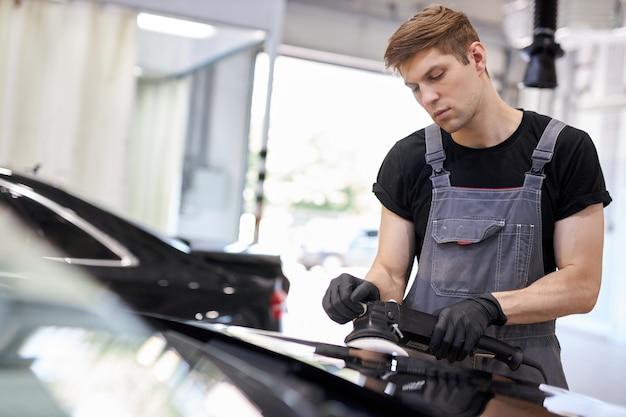 Conceito de detalhamento e polimento de carros