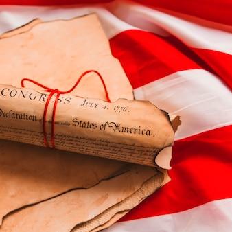 Conceito de dia da independência eua com declaração laminada