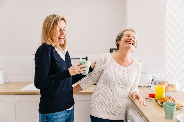 Conceito de dia das mães na cozinha