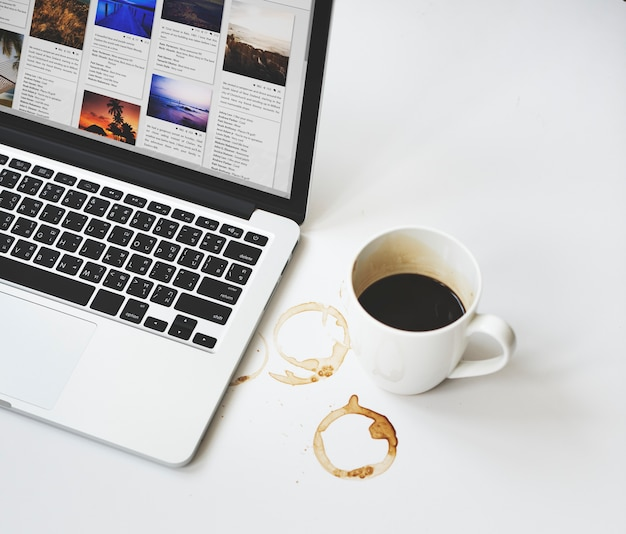 Conceito de digitas dos dados do planeamento da bebida do abrandamento do café