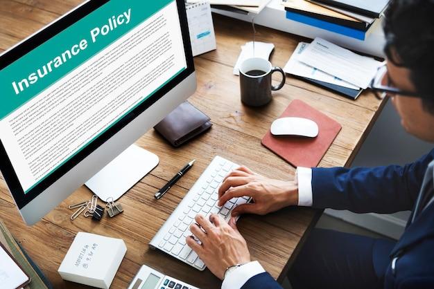 Conceito de documento de termos de contrato de apólice de seguro