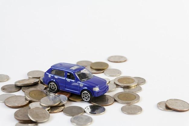 Conceito de economizar dinheiro para carros comerciais por dinheiro, conceito de finanças
