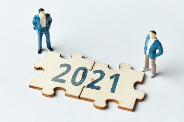 Conceito de engajamento empresarial em 2021 b2b, b2c, b2g.
