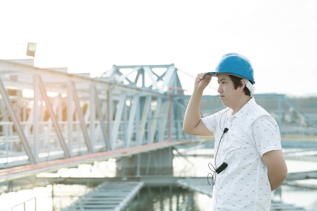 Conceito de engenheiro com chapéu