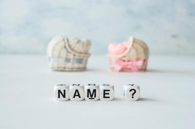 Conceito de escolher o nome do bebê