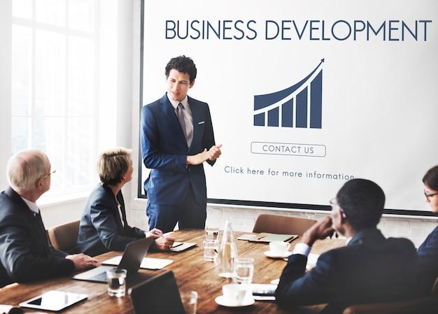 Conceito de estatísticas de crescimento de startups de desenvolvimento de negócios