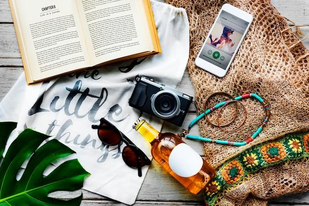 Conceito de exploração de viagem de férias de férias de verão na praia