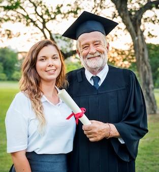 Conceito de faculdade de certificado de sucesso de celebração de formatura