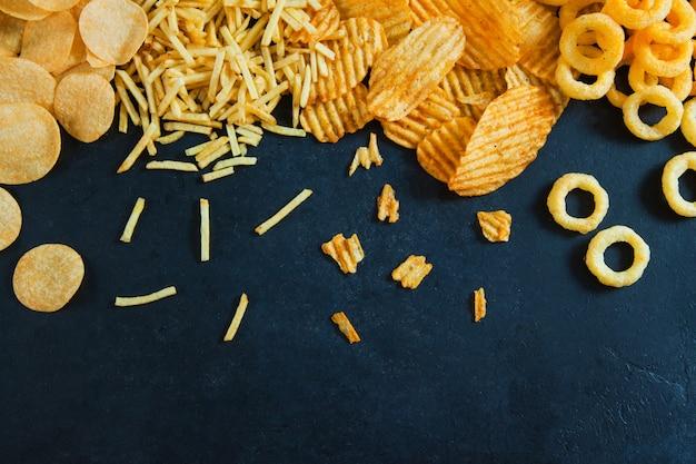 Conceito de fast junk food anéis de cebola batatas fritas batatas fritas nutrição não saudável