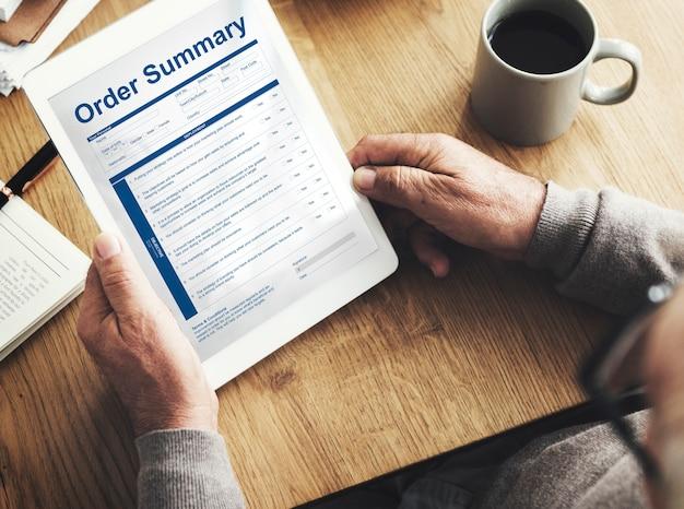 Conceito de fatura de formulário de documento de resumo de pedido