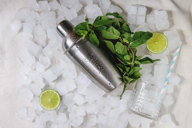 Conceito de fazer cocktail