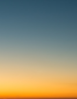 Conceito de férias de verão, abstrato borrão céu gradiente do sol