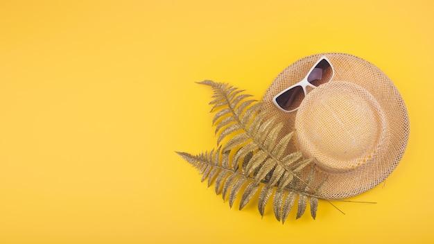 Conceito de férias de viagens de verão plana leigos