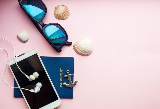 Conceito de férias viagens plana leigos, espaço para texto.