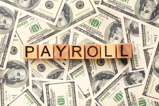 Conceito de folha de pagamento plana lay com dinheiro